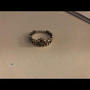 pandora crown ring (size 7)